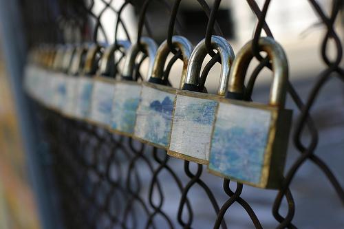 Συστάσεις προς τους χρήστες για ασφαλείς συναλλαγές μέσω διαδικτύου